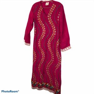 Silk Road pink embroidered flowers kaftan tunic 42
